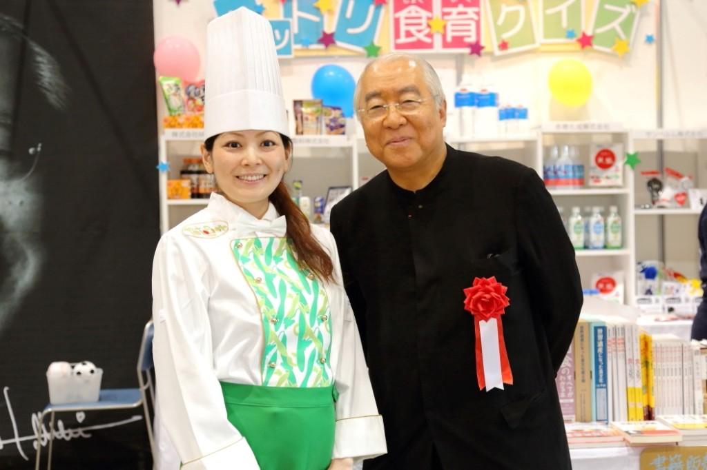 野菜スイーツ専門店「パティスリー・ポタジエ」柿沢安耶氏と服部校長