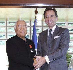 校長・服部幸應がフランス政府より「レジオン・ドヌール勲章シュバリエ」を叙勲されました。のイメージ画像